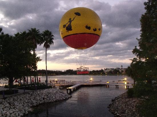 Disney Springs: La mongolfière Disney