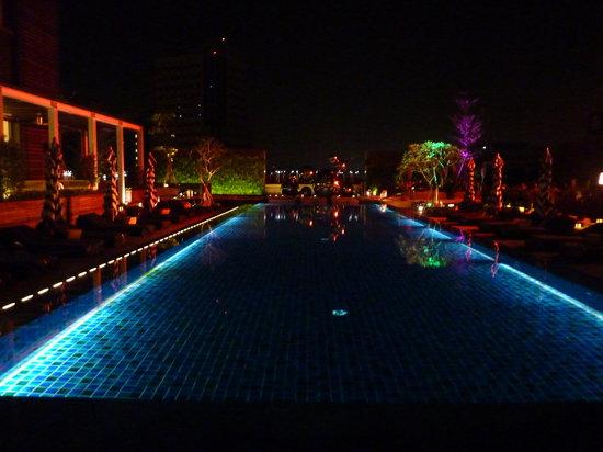 W Taipei : Pool by night