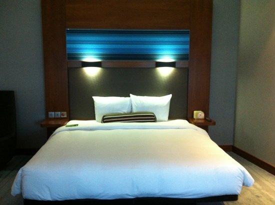Aloft Abu Dhabi: 2