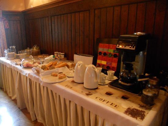 Slamic B&B: il buffet della colazione