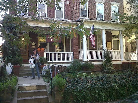 Adam's Inn: the hotel
