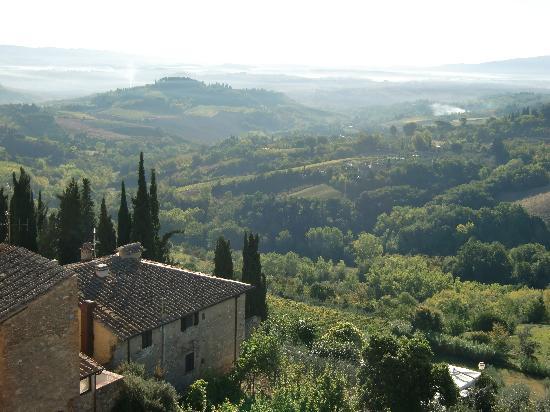 Le Terrazze: Vista panoramica dalle finestre del ristorante