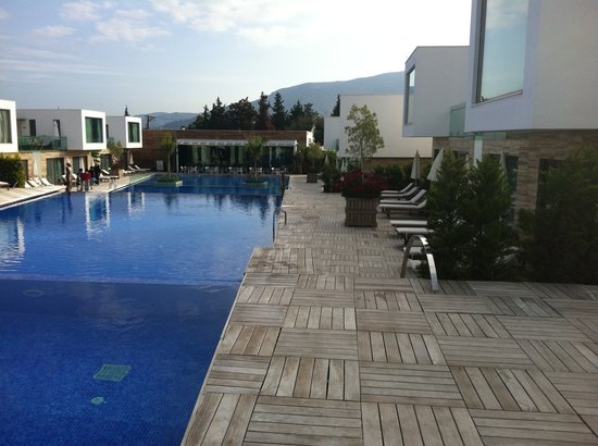 Voyage Torba: The pools