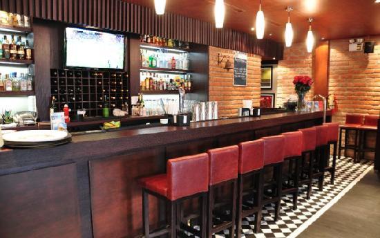 St. Andrew's GastroPub : Bar