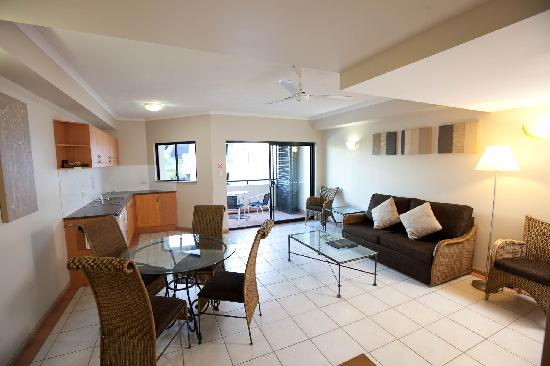 Regal Port Douglas: 1 Bedroom Living area