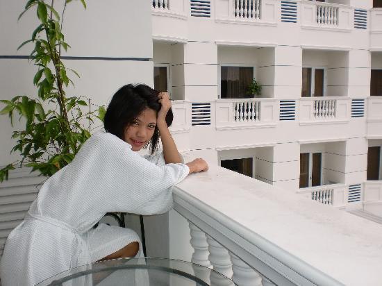 Lewis Grand Hotel: LGH balcony and my girlfriend