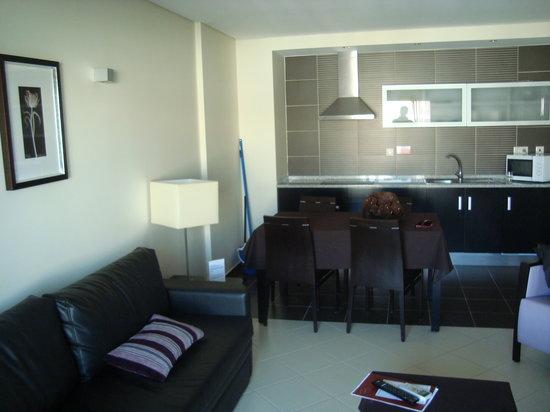 Areias Village Hotel Apartamento: Apartment inside
