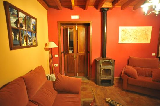 Casa Cha Miquela: Hall, fireplace, view to backyard