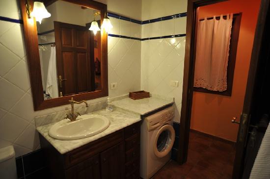 Casa Cha Miquela: Bath