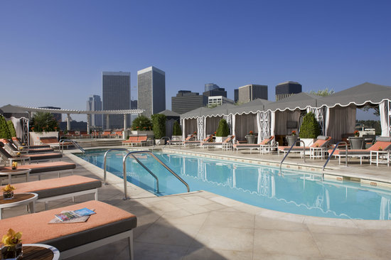 ‪‪The Peninsula Beverly Hills‬: Roof Garden Pool‬