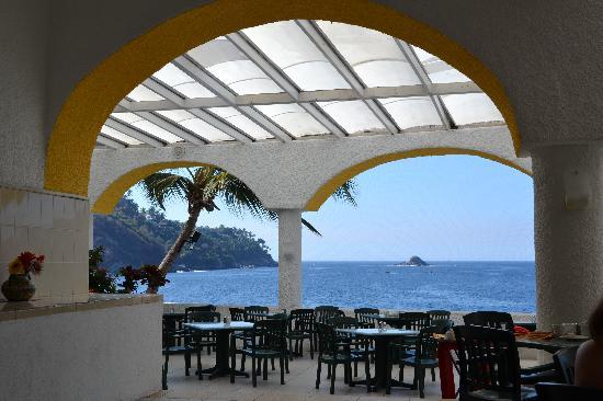 Tesoro Manzanillo : L'hôtel vue de la plage