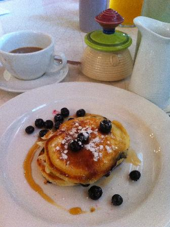 Antria Boutique Lodge: Philly's Divine Blueberry Pancakes
