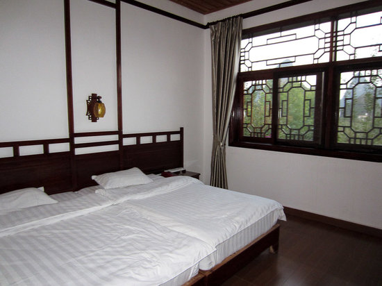 Yangshuo Dongling Resort: Bed room