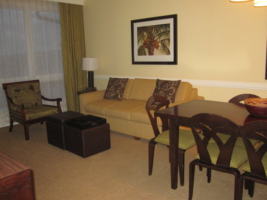 The Westin Kaanapali Ocean Resort Villas: Living room