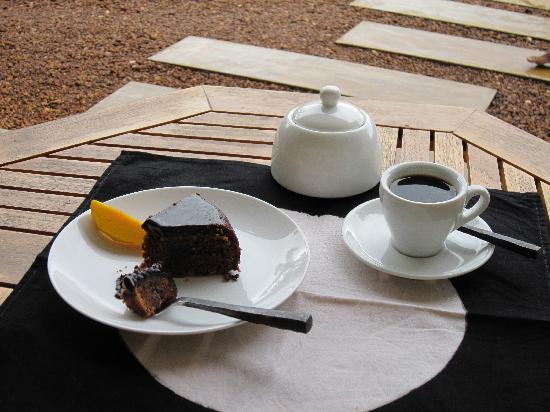 Baramba House: Try our chocolate cake