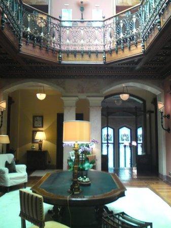 Grand Hotel a Villa Feltrinelli: Inside the villa