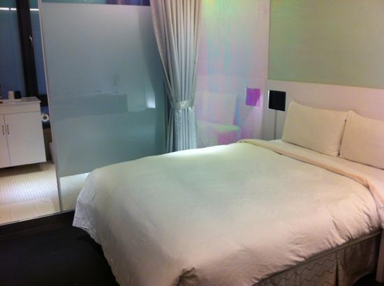 CityInn Hotel Plus - Ximending Branch: room 509 small but cozy and clean