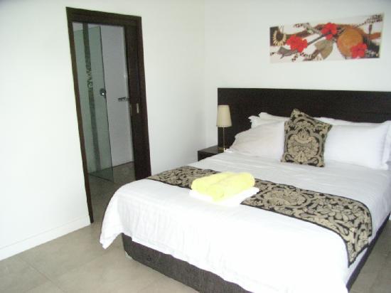 ULTIQA at Fiji Palms Beach Resort: Main Bedroom