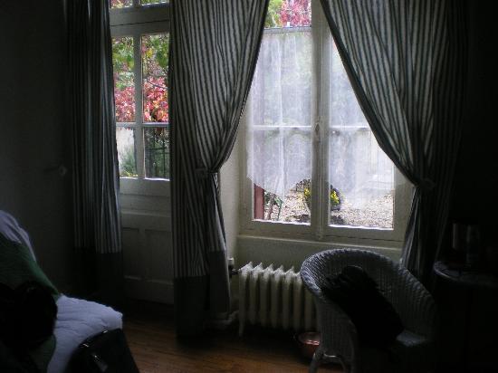 Hotel La Tourelle Du Beffroi : la chambre