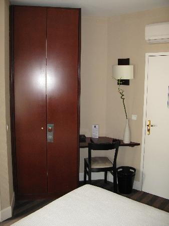 Hotel Alcyon: chambre