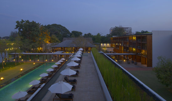 Anantara Chiang Mai Resort: The Pool Upper Terrace