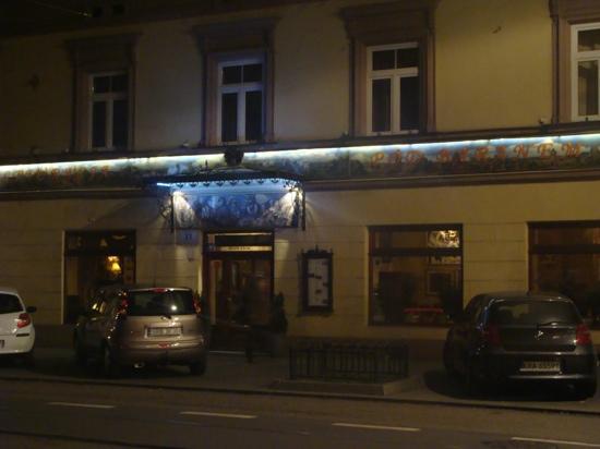 Kossak Hotel: pod baranem