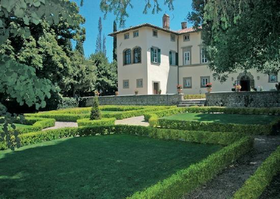 Villa di Piazzano: villa's facade