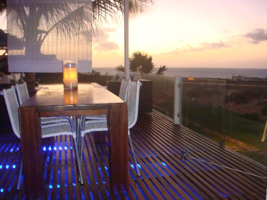 The Chili Beach Boutique Hotel & Resort: The Chili Beach Hotel at sunset