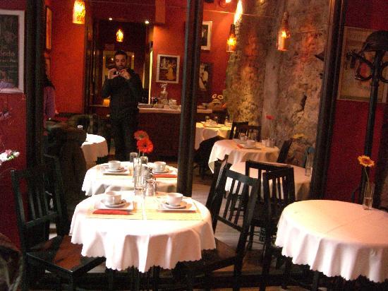 Tango House Bed & Breakfast: reception - breakfast room