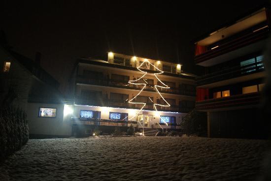 Allee Hotel Leidinger: Hotel_Front_Winter