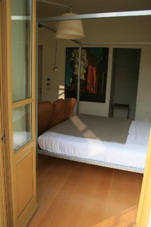 Petronilla Hotel: La chambre vue du balcon