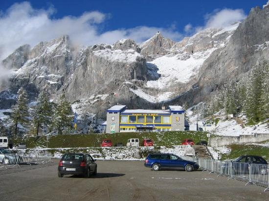 Skywalk Dachstein: view from the parking place