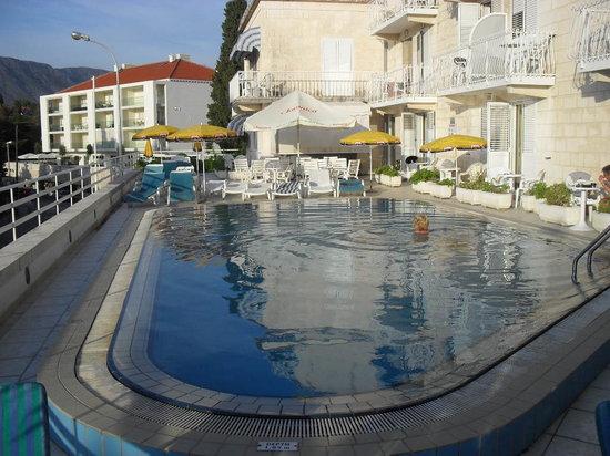 Hotel Komodor: Pool area