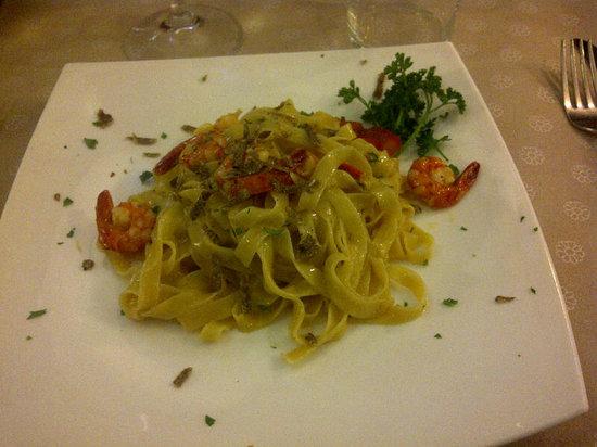 Sapori Venexiani: Hand made pasta with mixed sea food: wow!