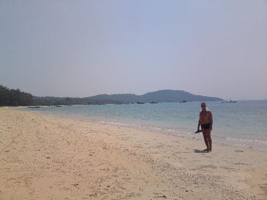 Klong Muang Sunset Hotel: Fantastisk strand. Vi hadde paradis nesten for oss selv
