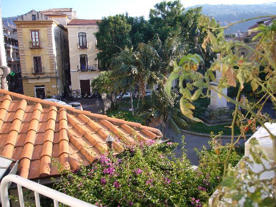 Villa Elisa Casa Vacanze: Orticello sul terrazzo.