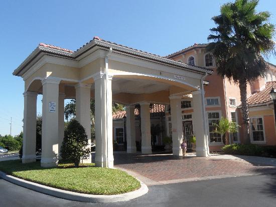 WorldQuest Orlando Resort: de ingang van het clubhouse