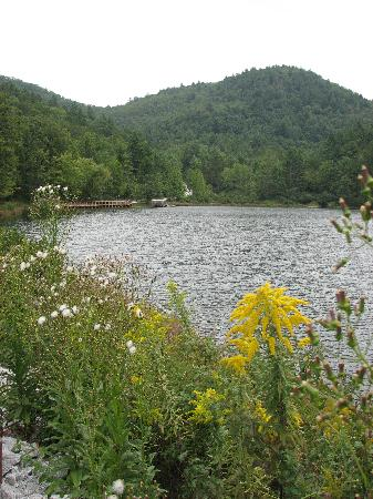 Black Rock Mountain State Park: A view of the lake