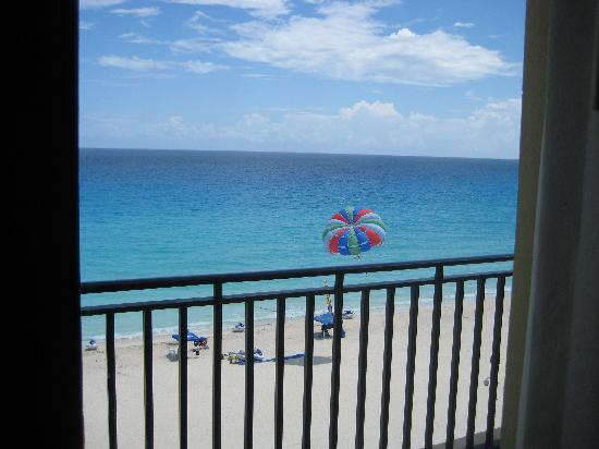 CasaMagna Marriott Cancun Resort: The view from the bedroom.