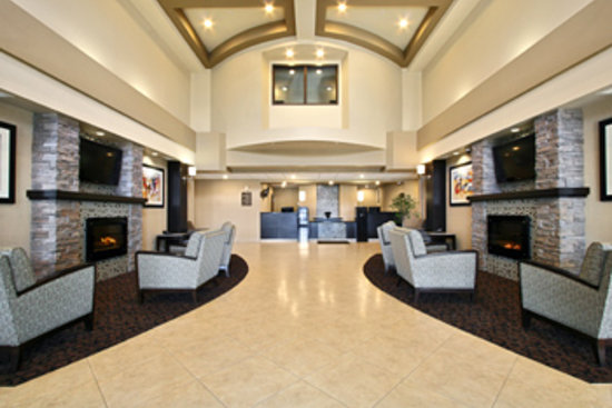 BEST WESTERN PLUS South Edmonton Inn & Suites: Main Entrance