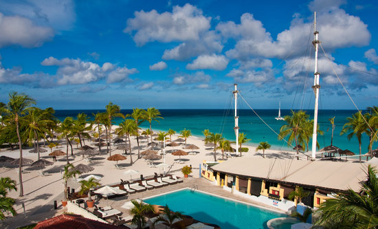 Bucuti & Tara Beach Resort Aruba: Hotel Pool and Beach from Hotel Room