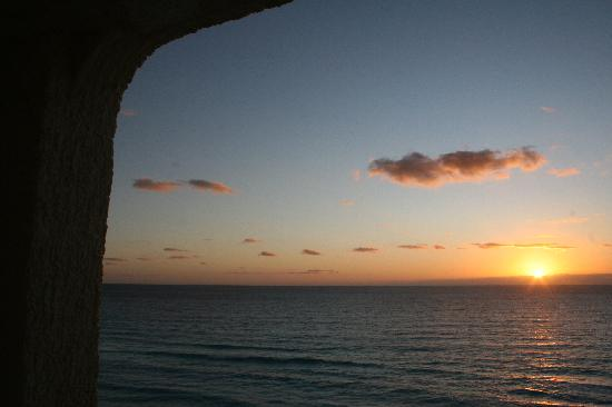 CasaMagna Marriott Cancun Resort: Sunrise from the suite -- beautiful!