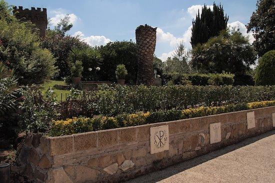 圣多弥蒂拉墓窟