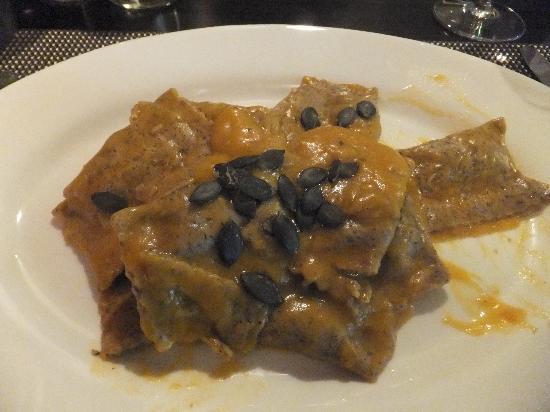 Toni's Ristorante : seasonal pumpkin ravioli