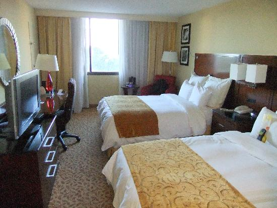 Ramada Tampa Airport Westshore: big room