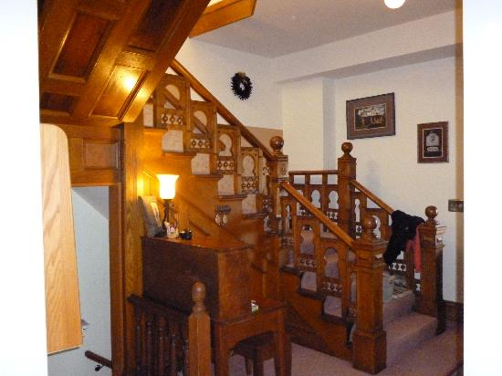 Hill Street Bed and Breakfast: Beautiful staircase