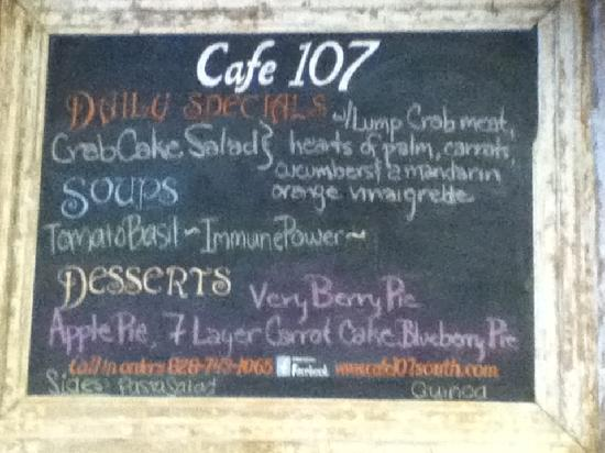 Cafe 107 : Board menu on the wall