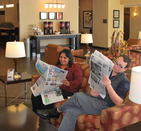 Hampton Inn & Suites Phoenix/Gilbert : 24 Hour Coffee service Main Lobby