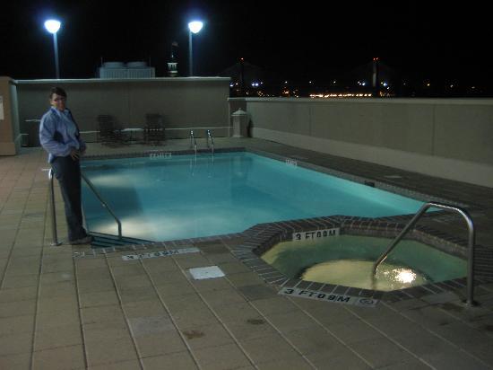 Holiday Inn Express Savannah-Historic District: Rooftop Pool