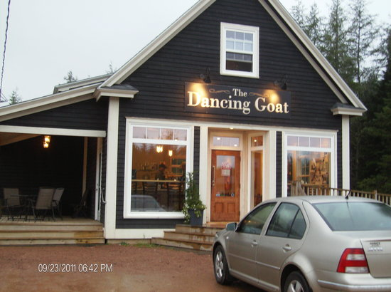 Dancing Goat Cafe & Bakery: Lovely new facility